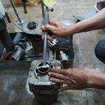Proses Pemasangan Boring Silinder Ke Dalam Blok Mesin