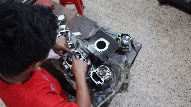 belajar mekanik bengkel sepeda motor