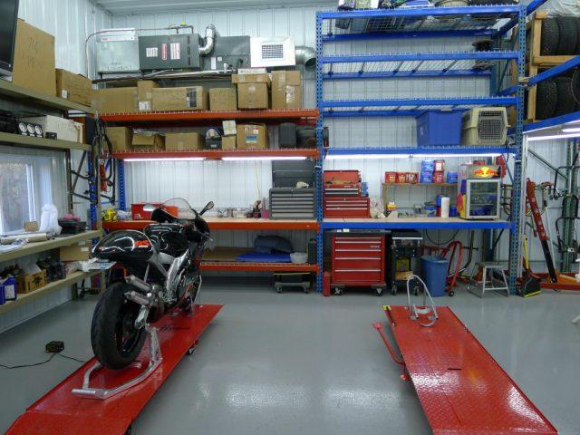Workshop mekanik sepeda motor